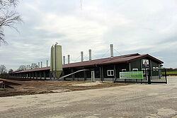 Bâtiment pour l'élevage de poulettes