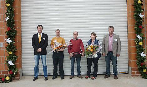 La famille Röben; En arrière un des deux nouveaux poulaillers.