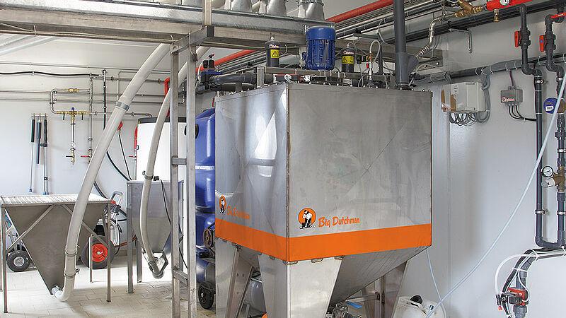 Système de distribution d'aliments liquides HydroAir pour l'élevage des porcelets